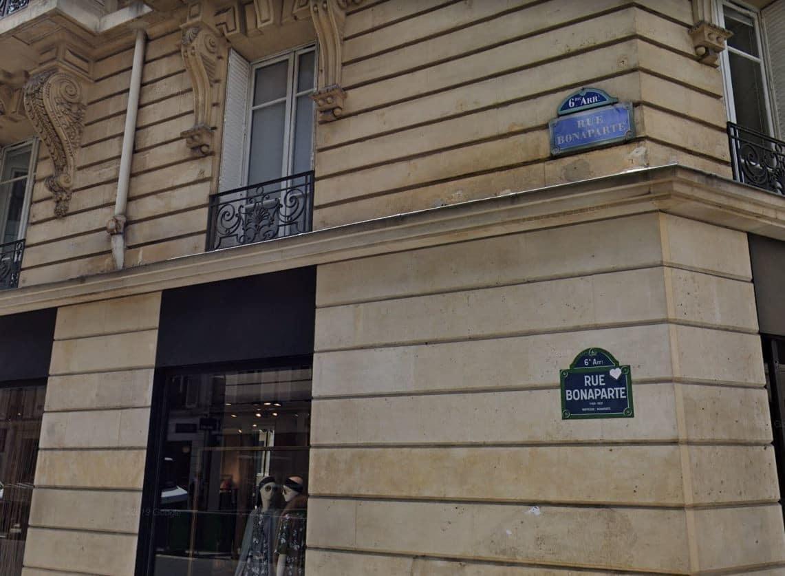 Plaque de la rue Napoléon dans le 6e arrondissement de Paris © actu.fr